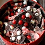 https://www.lemonsforlulu.com/peppermint-m-m-chocolate-bark/