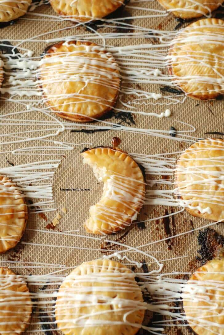 Mini Lemon Hand Pies | lemonsforlulu.com