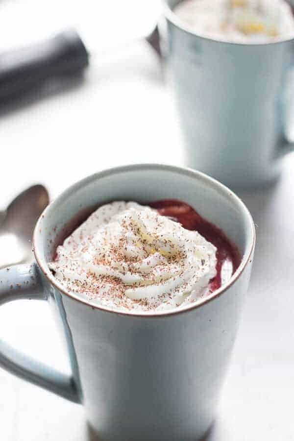Red Velvet Chocolate Steamer is thick and rick with lots chocolate taste and that signature red velvet hue. Perfect for warm, cozy evenings! lemonsforlulu.com
