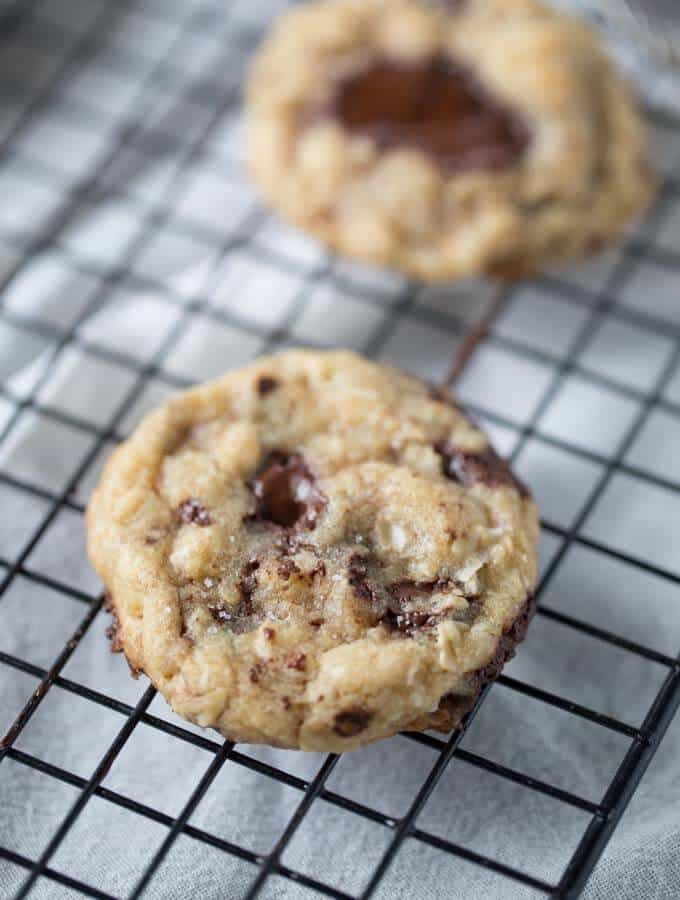 Soft and tender browned butter cookies with otas, coconut and darch chocolate! lemonsforlulu.com