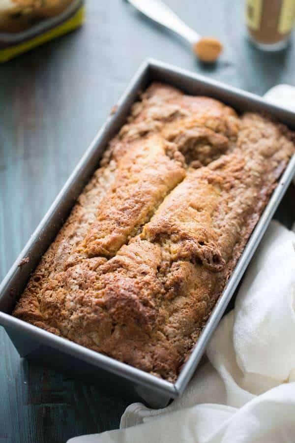 An easy quick bread recipe that tastes just like a snickerdoodle cookie! lemonsforlulu.com #SplendaSweeties #SweetSwaps