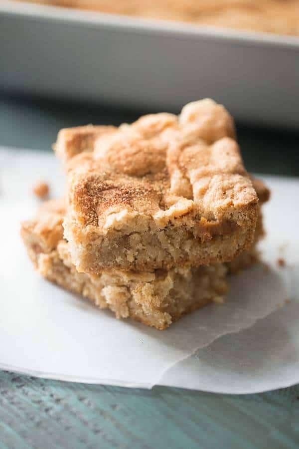 Tender and moist apple brownies with lots of fresh apples and sweet caramel bits! lemonsforlulu.com