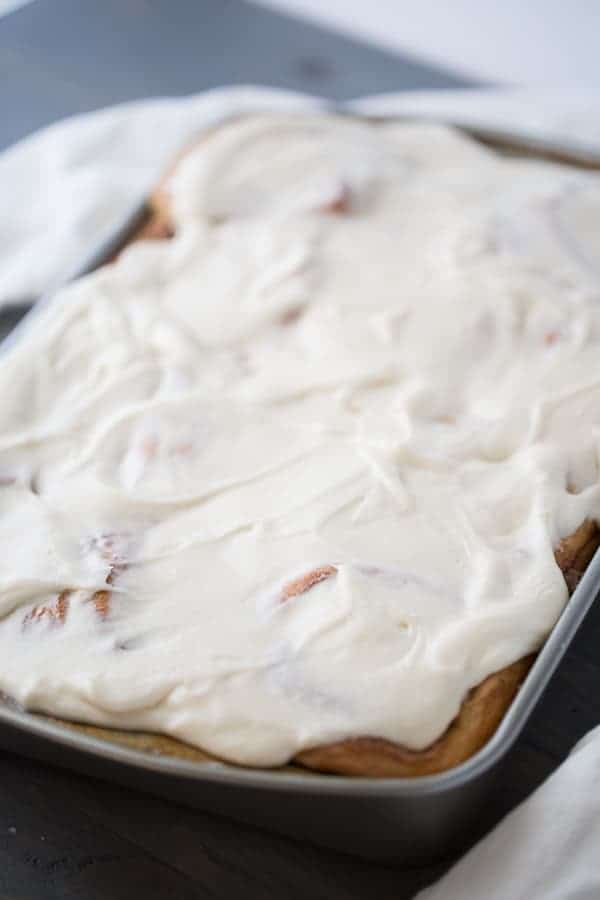 Bacon filled cinnamon rolls with a simple homemade maple frosting! lemonsforlulu.com