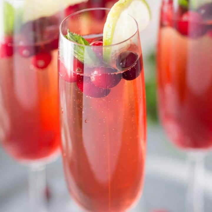 Cape cod cocktail in the form of a fun and festive champagne cocktail! lemonsforlulu.com