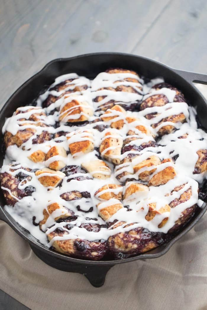 Nothing beats the ease in which these quick cinnamon rolls come together! It onlyt takes two ingredients to make this breakfast!