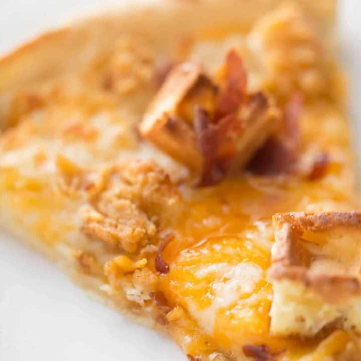 Easy chicken and waffles homemade pizza recipe will satisfy all your chicken and waffles cravings!