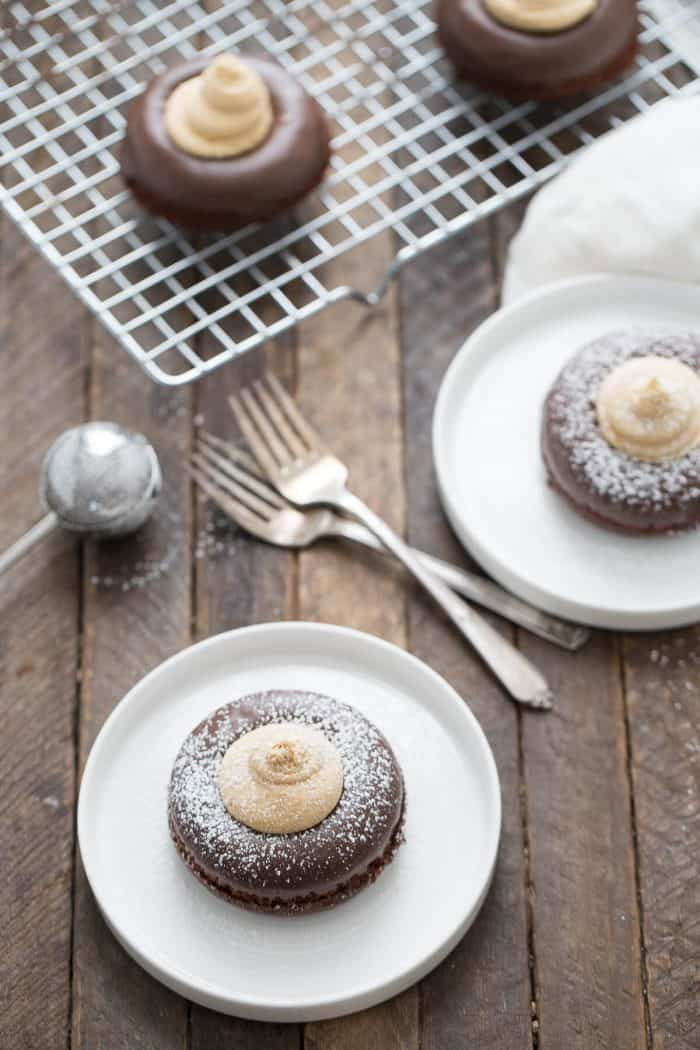 Baked chocolate donuts turn into something amazing in this buckeye mini cakes recipe.