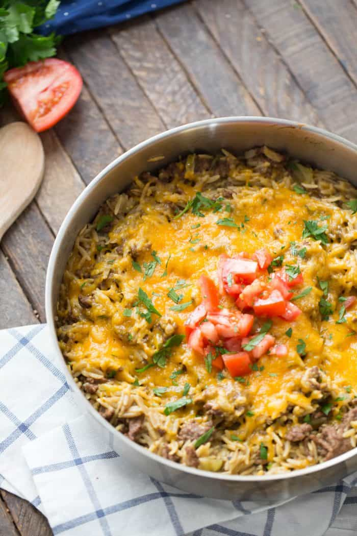 Need the ultimate family friendly meal? This cheeseburger skillet will make everyone happy!