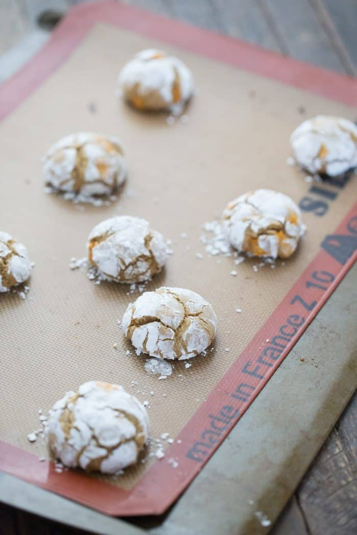 Crinkles cookies are so easy, but sometimes chocolate isn't enough! This caramel crinkle cookies recipe is the best!