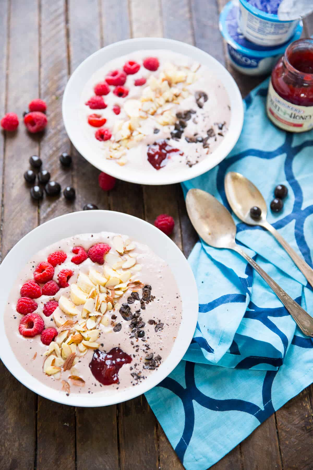 Smoothie bowls make breakfast fun! This smoothie bowl is full of nuts, fruit, and a hint of mocha!