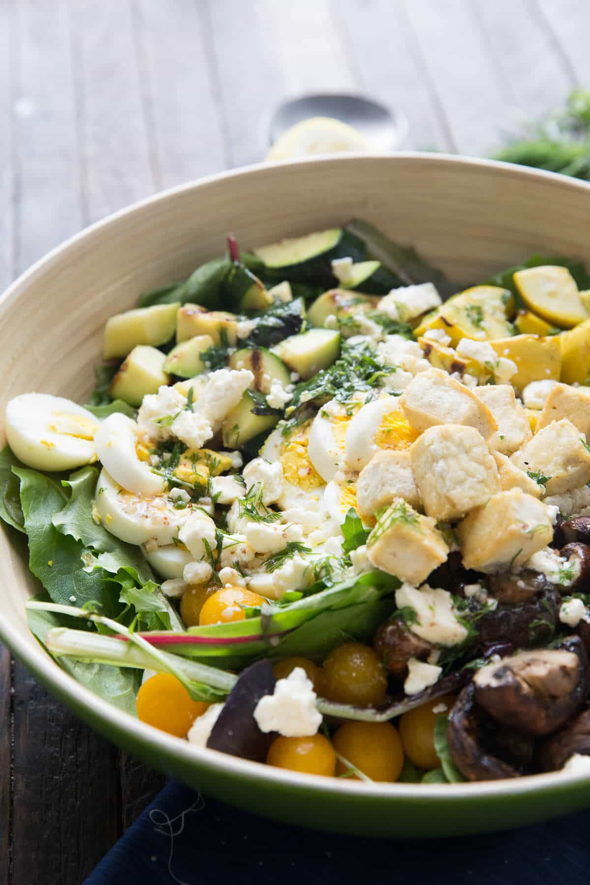 This grilled veggie cobb salad cannot be beat when it comes to healthy flavors! Plus it is so easy!