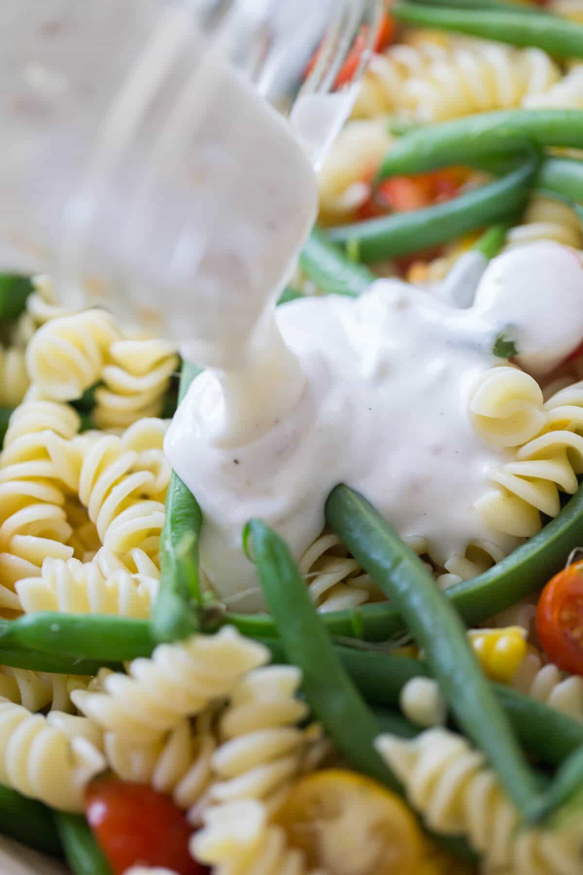 BBQ's and picnics need a good side dish, this vegetable pasta salad is perfect!