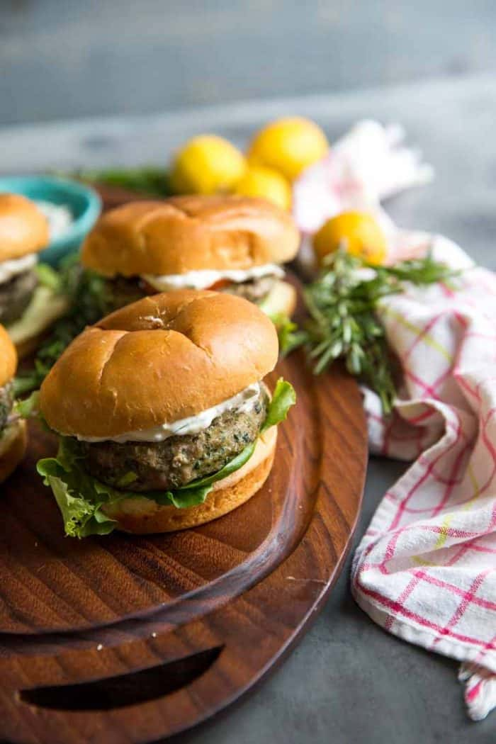 Single burger with lemon aioli