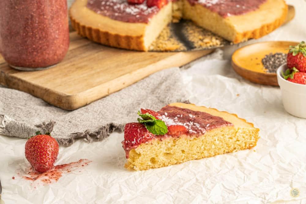 almond flour cake recipe with strawberry raw jam